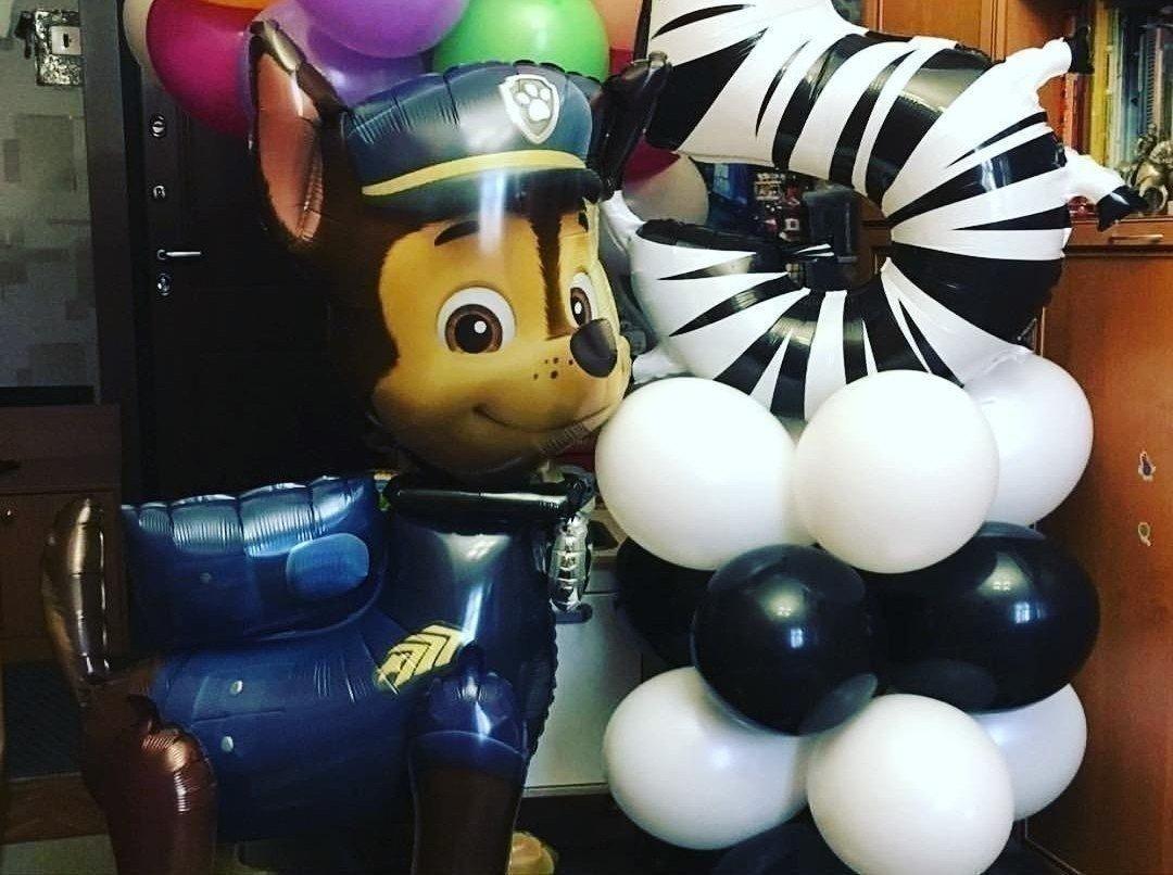Воздушный шар в виде персонажа мультфильма