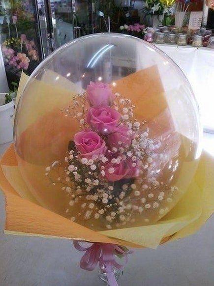 Подарок внутри шарика