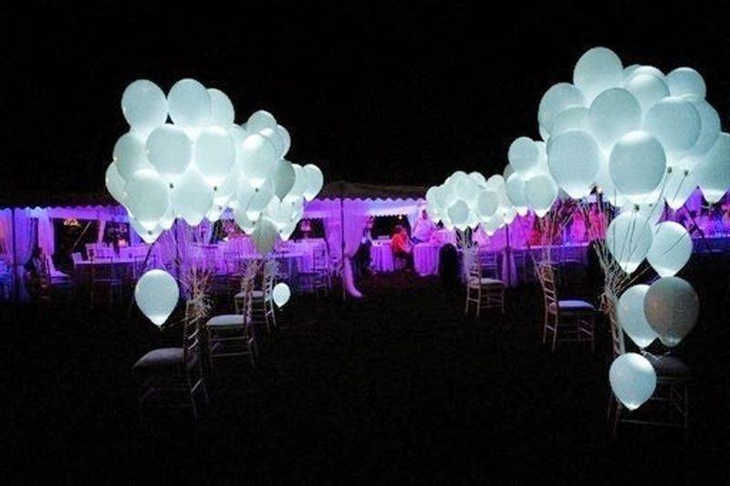 Светящиеся шарики белые  100 шт (постоянная подсветка)