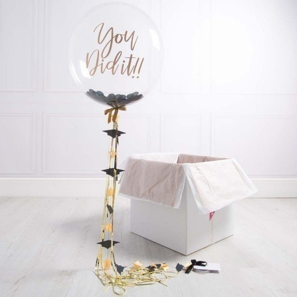 Коробка с шарами «Успех» золотой с черным