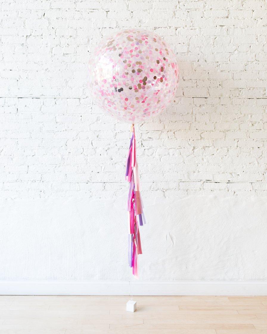 Большой шар с круглым конфетти для принцессы на гирлянде