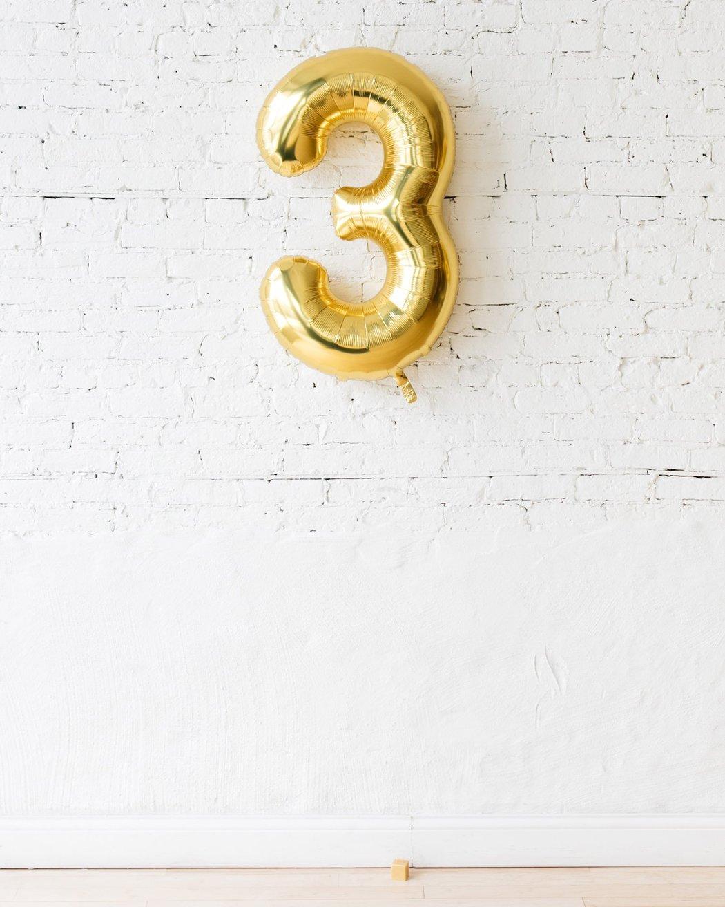Шар фигура цифра 3 Gold